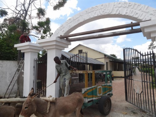 Een nieuwe toegangspoort voor Ndala Ziekenhuis