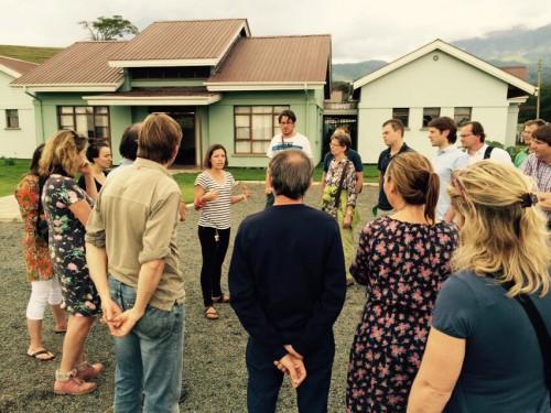"""Rondleiding bij het """"Plaster House"""" in Arusha"""